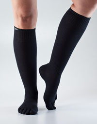 Toesox Casual Knee High (Black)