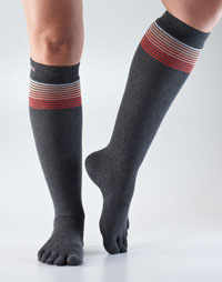 Toesox Casual Knee High (Sunset Stripe)
