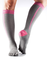 Toesox Zoe Sport Compression Knee High (4AM Flush)