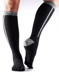 Toesox Zoe Sport Compression Knee High (Black 4AM)