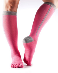 Toesox Zoe Sport Compression Knee High (Flush 4AM)
