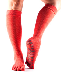 Toesox Fulltoe Scrunch Knee (Fishnet poppy)