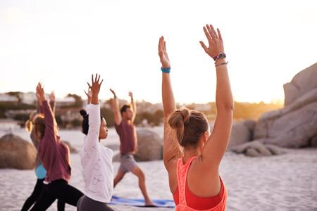 f491a3bc64a Yogatøj, Yogaudstyr og Yogamåtter - Shop online eller i butik